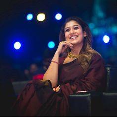 Nayanthara New Saree Stills At Zee Cine Awards Tamil 2020 Indian Actress Hot Pics, Tamil Actress Photos, South Indian Actress, Beautiful Indian Actress, Nayanthara In Saree, Nayanthara Hairstyle, Kajal Agarwal Saree, Formal Saree, Khadi Saree