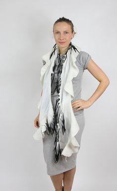WolleSeideFilzSchalFilz Schal weiß und schwarz von KateRamseyFelt