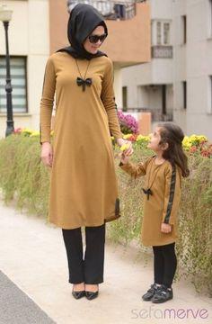anne-kiz-tesettur-elbise-modelleri.jpg 327×500 piksel