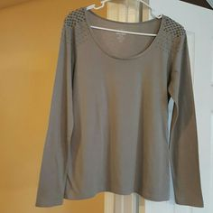 Grey knit top. Can be dressed up or down. Wear for work or play. Looks great with slacks or jeans. Old Navy Tops