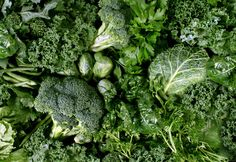 Lightspring|Green vegetables and dark leafy food background as a healthy eating concept