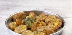 Μοσχομυριστές Πατάτες με δενδρολίβανο και άλλα μυρωδικά Cauliflower, Vegetables, Food, Cauliflowers, Veggie Food, Vegetable Recipes, Meals, Veggies