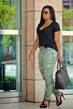 Curves and Confidence | Inspiring Curvy Fashionistas One Outfit At A Time: Weekend Wear: Camo Jeans