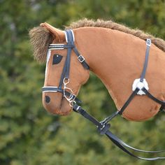 Tää on vaan niin ihana ❤ Horse Bridle, Horse Stables, Stick Horses, Hobby Horse, Horse Crafts, Horse Photos, Animals And Pets, Scarecrows, Felt Puppets