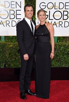 Jennifer Aniston Photos - Arrivals at the Annual Golden Globe Awards at the Beverley Hilton Hotel in Beverly Hills. - Arrivals at the Golden Globe Awards Jennifer Aniston Photos, Diane Kruger, Golden Globe Award, Bridesmaid Dresses, Wedding Dresses, Red Carpet Looks, Looking For Women, Gowns, Vestidos