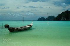Koh Phi Phi - Thailand by marcoduezeta #Landscapes #Landscapephotography #Nature #Travel #photography #pictureoftheday #photooftheday #photooftheweek #trending #trendingnow #picoftheday #picoftheweek