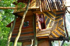 Bonkers treehouse at the Baumhaus Hotel- Neibeaue, Germany - Luxury Tree Houses, Cool Tree Houses, Fairy Houses, Play Houses, Treehouse Living, Treehouse Hotel, Unusual Hotels, Woodland House, Unique Trees