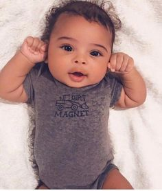 píntєrєѕt: íg: Níѕѕαdαdσn 🌈 Suivez-moi pour obtenir plus de pins en direct - Herz häkeln - Bebe So Cute Baby, Cute Mixed Babies, Cute Black Babies, Beautiful Black Babies, Baby Kind, Pretty Baby, Little Babies, Cute Kids, Cute Babies