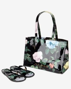 63cfcc348194b Distinguishing rose flip flops and shopper set - Black