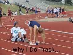 The best thing about high school track - Your Fun Pics Running Memes, Running Quotes, Running Facts, Running Tips, Triple Jump, Track Quotes, Videos Tumblr, Track Workout, Sports Memes