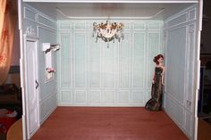 Love the panelling of this diorama, and the light fitting.