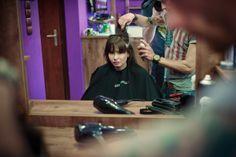 Paulina Rudnicka podczas wizyty w salonie Barber Shop Gdańsk.
