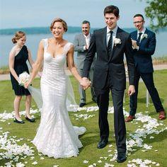 Ginger Zee of 'Good Morning America' Marries NBC's Ben Aaron. Beautiful lace dress
