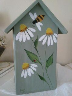 Trendy Painting Bird Houses Ideas Diy 44 Ideas - Houses: drawings and paintings thereof - Bird Supplies Bird Houses Painted, Decorative Bird Houses, Bird Houses Diy, Painted Boxes, Painted Birdhouses, Hand Painted, Tole Painting, Diy Painting, Objet Deco Design