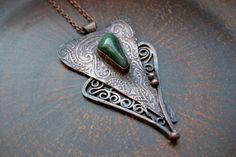 Elegant cooper pendant with green agate Curls от TanyaKolyada