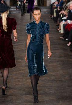 Fashion 2020, Love Fashion, High Fashion, Vintage Fashion, Fashion Outfits, Womens Fashion, Fashion Design, Velvet Fashion, Day Dresses