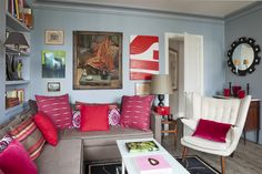 Lots of red Blue And White Living Room, Sofa, Couch, Room Interior Design, Armchair, Gallery Wall, Living Rooms, Applique, Paris