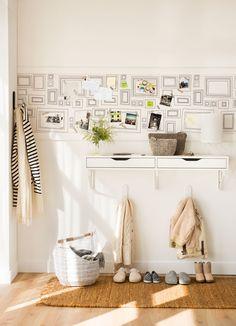 Cómo decorar la pared y sumar personalidad a tu casa sin gastar mucho Ideas Recibidor, Modern Cottage, Decor Crafts, Home Decor, Make Design, Dining Room Table, Declutter, Home And Living, Living Room