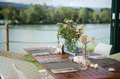 Drauradwegwirte Restaurant, Table Settings, Table Decorations, Furniture, Home Decor, Hiking, Viajes, Tips, Decoration Home