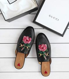 Gucci | Loafers | White | Flowers | Embroidery | More on Fashionchick.nl