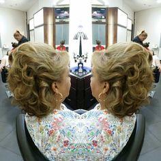 #hair #cabello #mediacola #halfuphalfdown #axelmediacola #axelhalfuphalfdown #hairdresser #hairstylist #estilista #peluquero #peluqueria #Panama #pty #pty507 #picoftheday #mirrorphoto #multiplaza #axel04