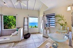 Grande et luxueuse salle de bains design