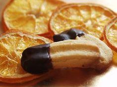 Orangenzungen, ein schmackhaftes Rezept aus der Kategorie Kekse & Plätzchen. Bewertungen: 108. Durchschnitt: Ø 4,3.