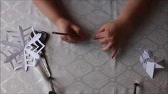 diy snowflakes - φτιάχνιουμε χιονονιφάδες To Paixnidaki - YouTube