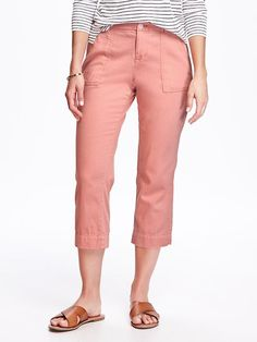 Mid-Rise Textured-Twill Capris for Women