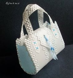 "design  Amanda Ching-Hsiang Yeh from book ""Lovely bags in parchment craft"""