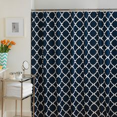 Featuring our classic decorative link motif in navy and white, the Hampton Links Towels add sophisticated panache to any bathroom. 100% cotton twill. 300 thread count. Pair it with the Hampton Links T