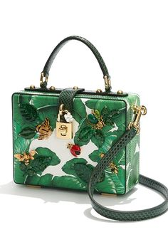 Handbags & Wallets - A tropical delight awaits you in the form of banana-leaf patterned box bag. Perfect for summer soirees and beachy getaways. - How should we combine handbags and wallets? Dolce & Gabbana, Dolce And Gabbana Handbags, Luxury Handbags, Fashion Handbags, Purses And Handbags, Fashion Bags, Fashion Accessories, Fashion Mode, Fall Handbags