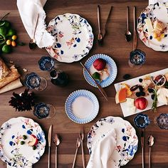 Wildflower Study Dinnerware. A beautiful set up for dining in.