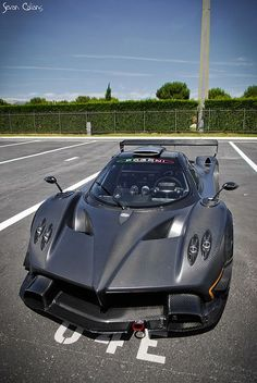 Pagani Zonda R ; safe to say I love Pagani. Maserati, Bugatti, Pagani Zonda R, Koenigsegg, Exotic Sports Cars, Exotic Cars, Sweet Cars, Amazing Cars, Awesome
