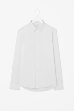 Lightweight oxford shirt Latest Clothes For Men, Chef Jackets, Oxford, Man Shop, Fashion Outfits, Cotton, How To Wear, Shirts, Shopping
