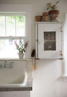 Kitchen Update Reveal | Vintage Whites Market | Love this sweet little kitchen cabinet #kitchenideas #vintagestyle