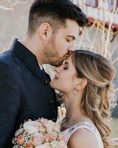😇 Dieses Jahr steht die kirchliche Hochzeit und gleichzeitig die erste Hochzeit dieser Saison mit euch an. Was gibt es tolleres als sich vor dem großen Tag schon zu kennen und zu wissen - das kann nur toll werden. 😁⠀ /Werbung- Profilverlinkung/⠀ .⠀ .⠀ .⠀ .⠀ .⠀ .⠀ .⠀ .⠀ #bohocouple #bohowedding #glamwedding #bohobride #gypsywedding #hippiewedding #weddinglegends #weddingdressesofficial #authenticlovemag #weddingpresets  #heywildweddings  #rishbridal #mountainweddings #elopementweddings… Couple Photos, Couples, Instagram, Wedding In A Church, Amazing, Thanks, Advertising, Knowledge, Simple