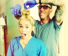 Miley Cyrus Cuts Her Hair: New Short Haircut Photos - Check them out...