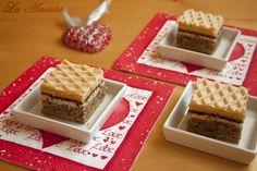 Prajitura cu bezea si foaie de napolitana Waffles, Food And Drink, Bread, Baking, Drinks, Breakfast, Cakes, Pain Au Chocolat, Sweets