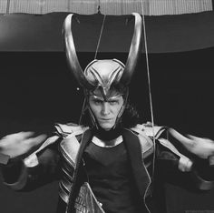 Check out all the awesome tom hiddleston loki gifs on WiffleGif. Including all the tom hiddleston loki laufeyson gifs, tom hiddleston gifs, and loki laufeyson gifs. Tom Hiddleston Loki, Thomas William Hiddleston, Loki Laufeyson, Loki Gif, Thor Y Loki, Univers Marvel, Wallpaper Thor, Benedict Cumberbatch, Avengers