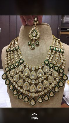 Indian Gold Jewelry Near Me Kids Gold Jewellery, Gold Jewelry For Sale, Indian Jewellery Design, Ruby Jewelry, Royal Jewelry, Jewelry Design, Bridal Jewellery, Designer Jewellery, Jewelery