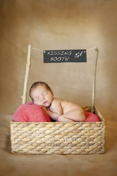 Great website for family/baby/toddler photo shoot ideas.