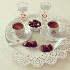 @sinem_Gs1905 ayıpsın kuzum istediğin kahve olsun en afillisinden:))) Fruit, Coffee, Wallpaper, Tableware, Ethnic Recipes, Pictures, Food, Basteln, Kaffee