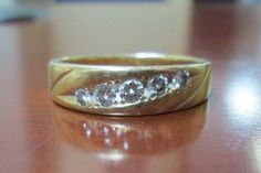 Police help reunite couple with wedding band found in parking lot - http://cringeynews.com/uncategorized/5411487275731/