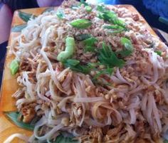 Recipe Pad Thai Chicken by learn to make this recipe easily in your kitchen machine and discover other Thermomix recipes in Pasta & rice dishes. Pad Thai Thermomix, Wrap Recipes, Asian Recipes, Radish Recipes, Cantaloupe Recipes, Savoury Recipes, Healthy Recipes, Cheddarwurst Recipe, Salads