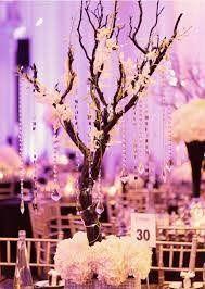 decoration centre de table mariage arbre décoré de guirlande de perles