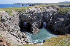 The Dungeon, Bonavista, Newfoundland and Labrador - where my father played in his youth. Newfoundland Canada, Newfoundland And Labrador, Places Around The World, Around The Worlds, Wild Weather, Prince Edward Island, Hot Spots, Amazing Pics, Caves