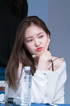 Namjoo Apink, Apink Naeun, Korean Women, Korean Girl, Asian Girl, The Most Beautiful Girl, Beautiful Asian Women, Kpop Girl Groups, Kpop Girls