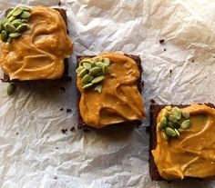 VEGAN ZUCCHINI FUDGE BROWNIES Delicious,quick and easy to make! Fudgy chocolate, with hidden puréed zucchini and a quick peanut butter frosting. Video tutorial on site too! Vegan Zucchini, Peanut Butter Frosting, Spelt Flour, Fudge Brownies, Cacao Powder, Coconut Flour, Baking Soda, Whole Food Recipes, Chocolate