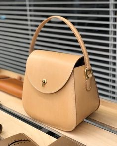 handbags and purses leather Leather Purses, Leather Handbags, Leather Wallet, Leather Bag, Soft Leather, Summer Handbags, Tote Handbags, Purses And Handbags, Bags 2018